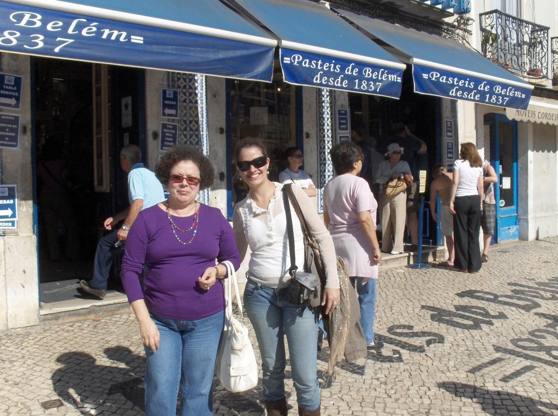 Graça e Priscila na Confeitaria dos Pastéis de Belém, os originais!!!