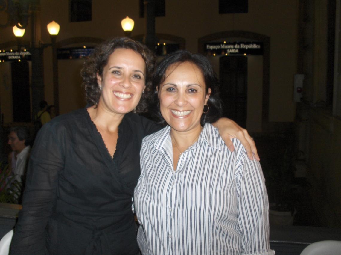 Tânia Pereira (autora) com sua irmã