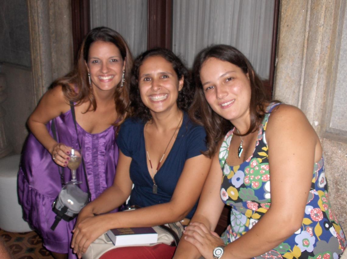 Priscila Starosky, Carolina Magalhães e Fernanda Henriques (colaboradoras)