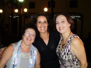 Graça, Tânia e Sílvia Backer (PUC-Rio)