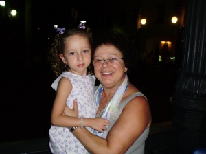 Graça com a sobrinha e afilhada Luiza